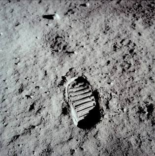 Bootprint left on moon by Apollo 11 astronaut (from NASA)