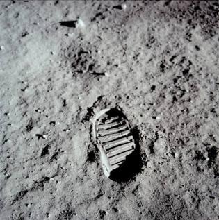Bootprint left on moon by Apollo 11 astronaut (from NASA)